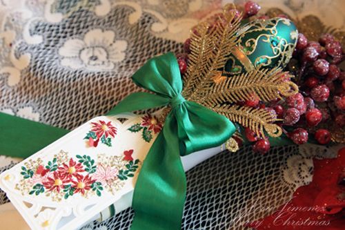poinsettia-green-napkin-1.jpg